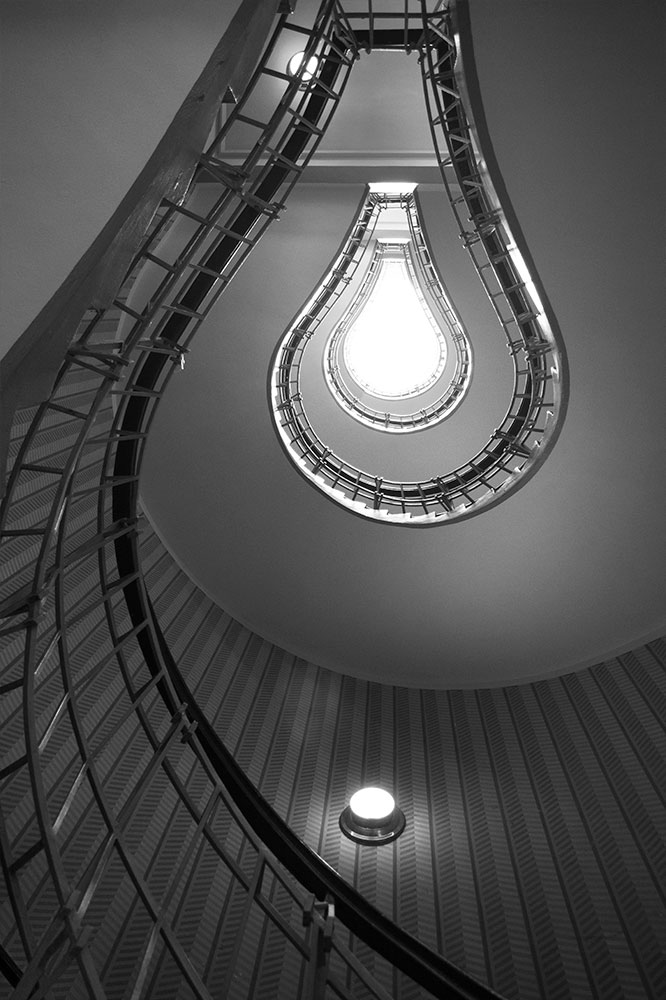 prague photo tour lightbulb staircase