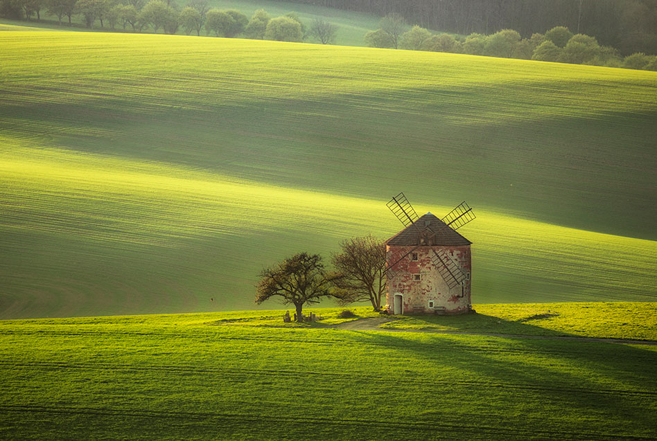 windmill in South Morava and green fields - sunset moravian tuscany photo tour